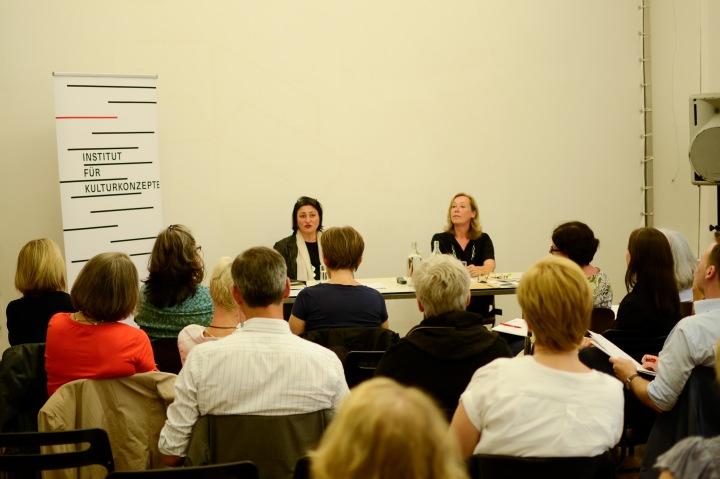 Veronica Kaup-Hasler im Institut für Kulturkonzepte
